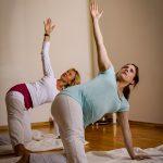 Brustoeffner-Schwangerenyoga-Yoga-Jieper