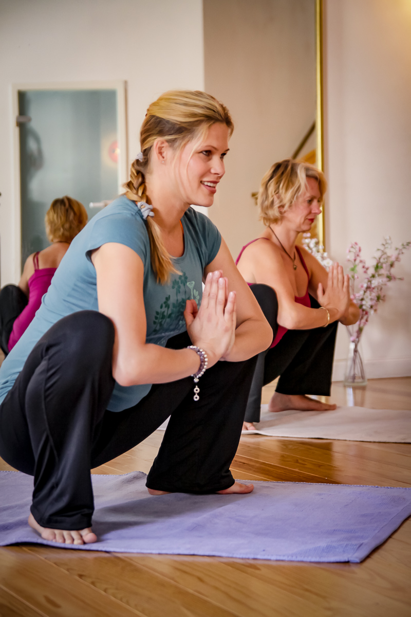 Hocke-Malasana_Yoga_Schwangerenyogakurs-yoga-jieper