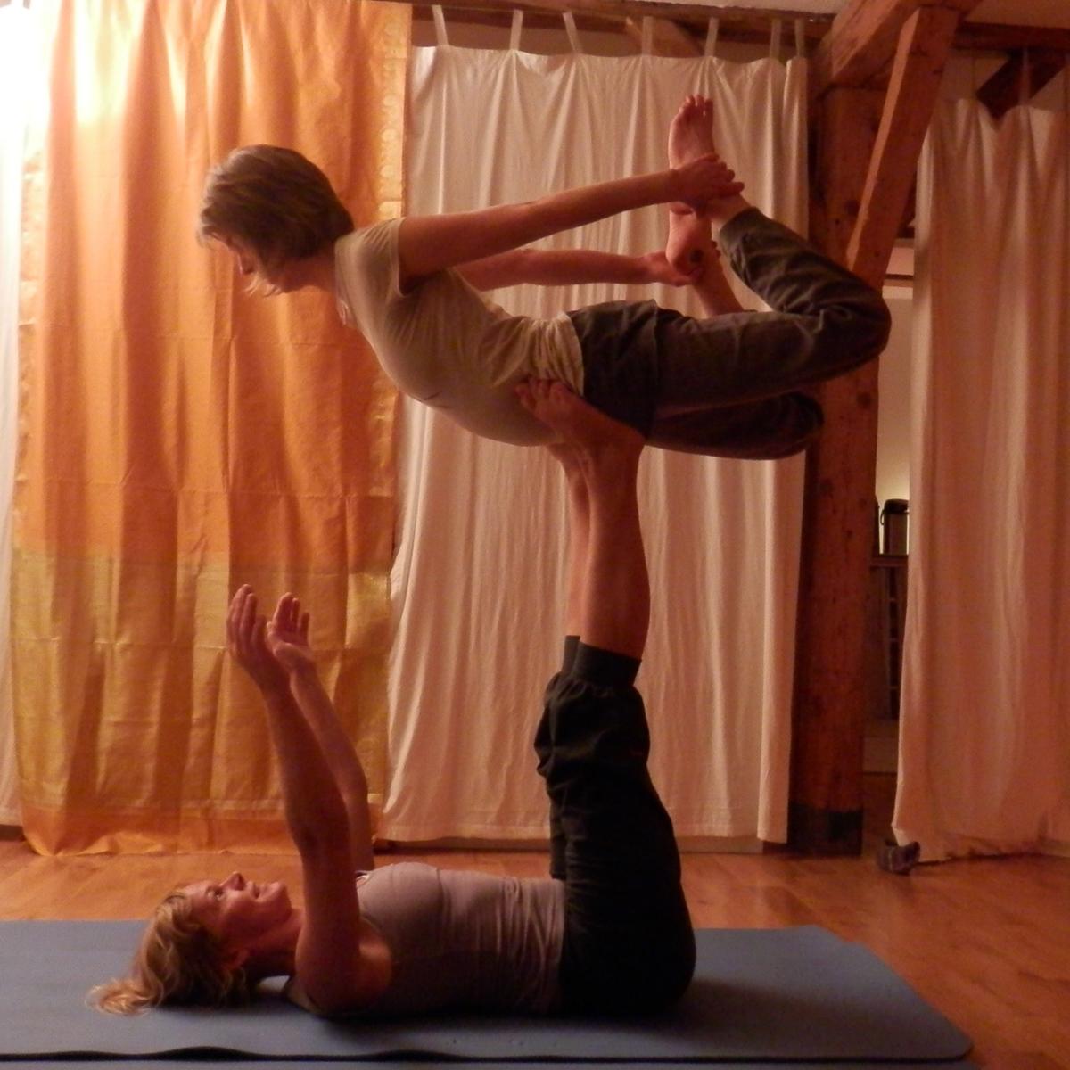 Acro-Yoga-Yogahof-Yogajieper-Hamburg-Schanze