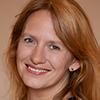 Portrait_Freda-Louisa-Leverkuehn_Yogalehrerin_Yoga-Jieper_Hamburg-Schanze_Yogahof-Lima59